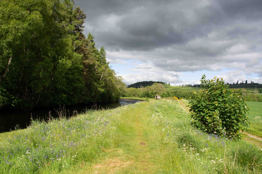 Pathway to small fisherman's hut