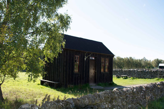 A small shepherds bothy and fank