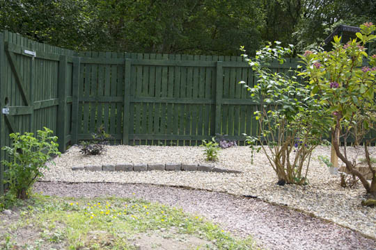 Gravelled area with granite setts